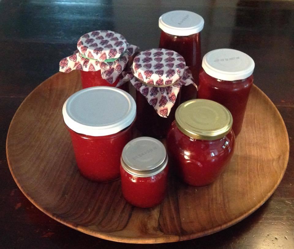 vasetti vari marmellata di fragole
