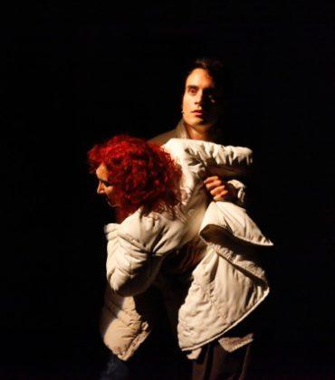 L'Acrobata, una storia dal Cile al Teatro dell'Elfo