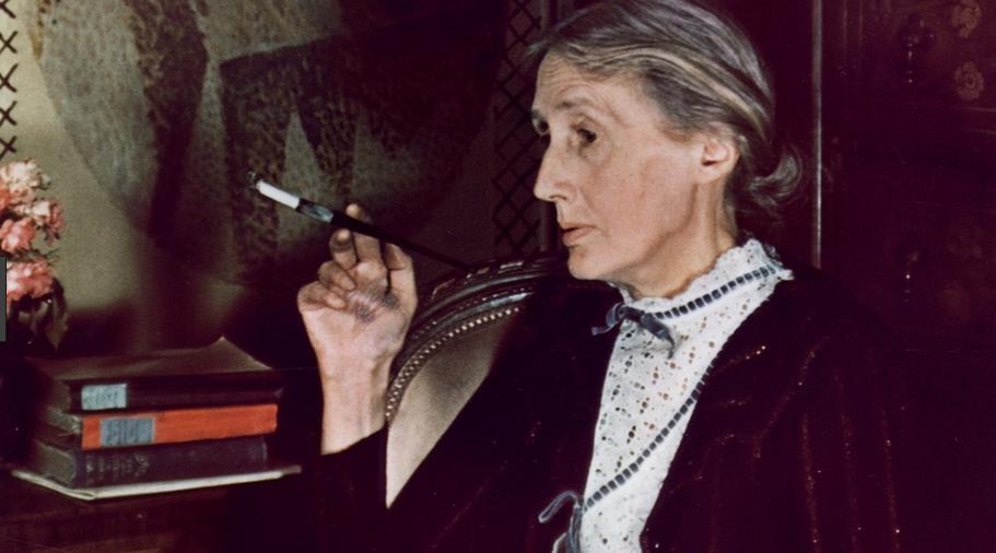 Virginia Woolf nella sua stanza