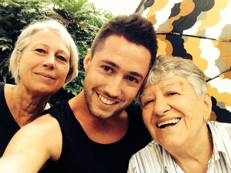 Andrea, Elena e la nonna Ginetta
