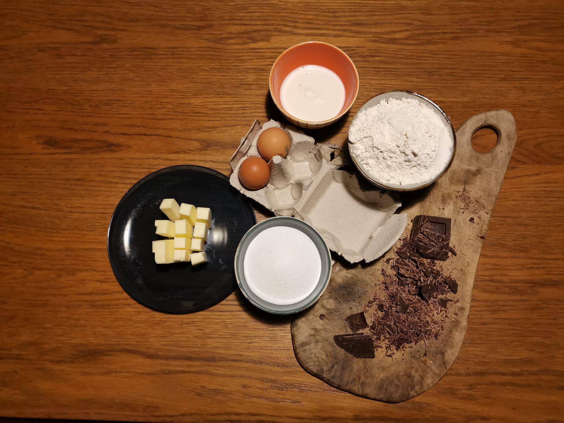 ingredienti per ciambella al cioccolato