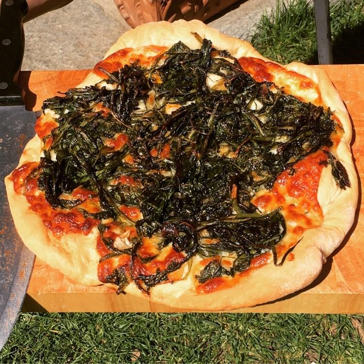 pizza con il tarassaco