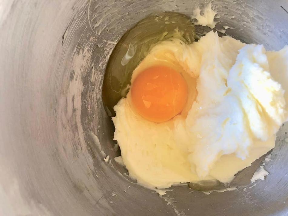 uovo, burro e zucchero