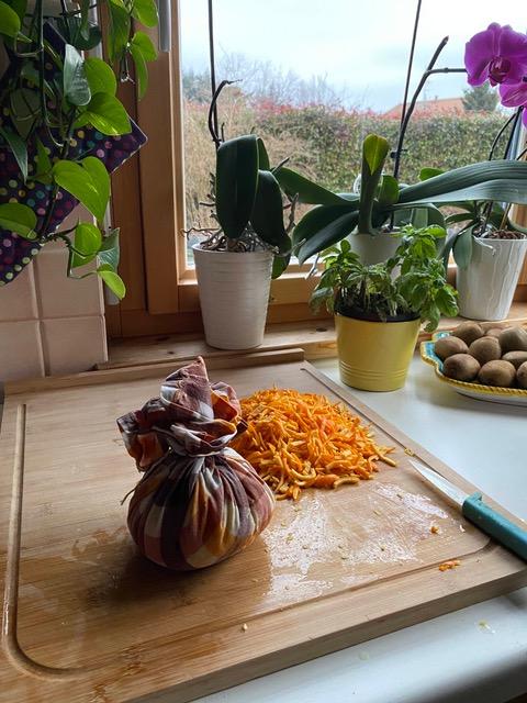 ricetta marmellata arance: il sacchetto con i semi