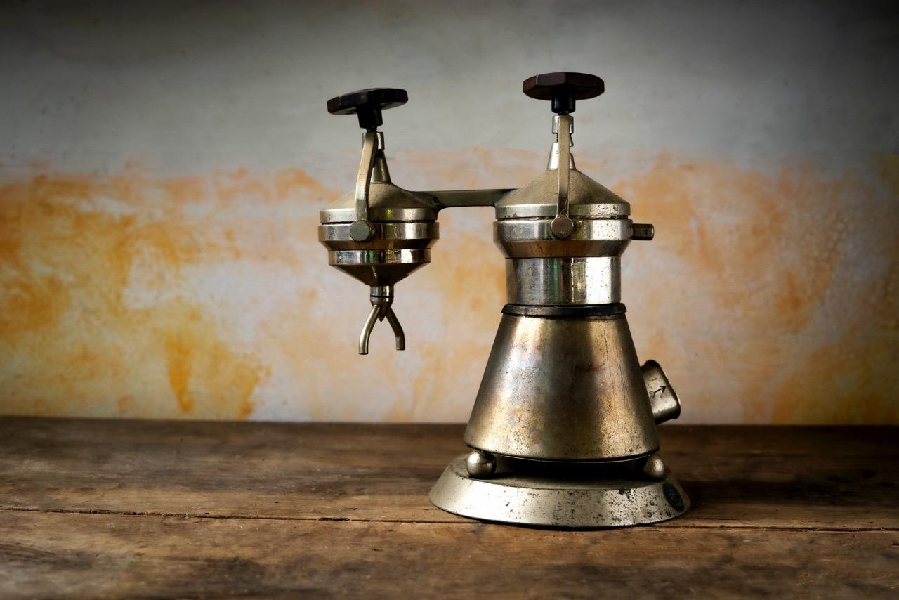 vecchia macchinetta per il caffè, foto Marco del Comune